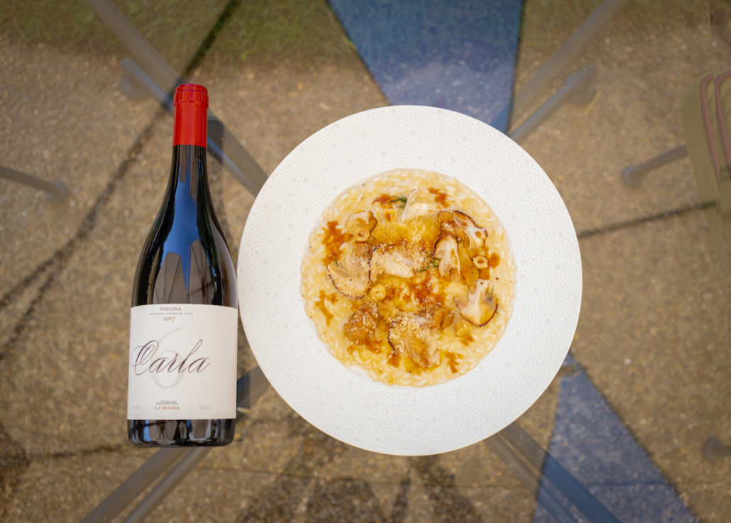 Il vino Carla 6 2017 e il Risotto agli asparagi bianchi, animelle e crumbs di nocciole dello chef Vito Mollica
