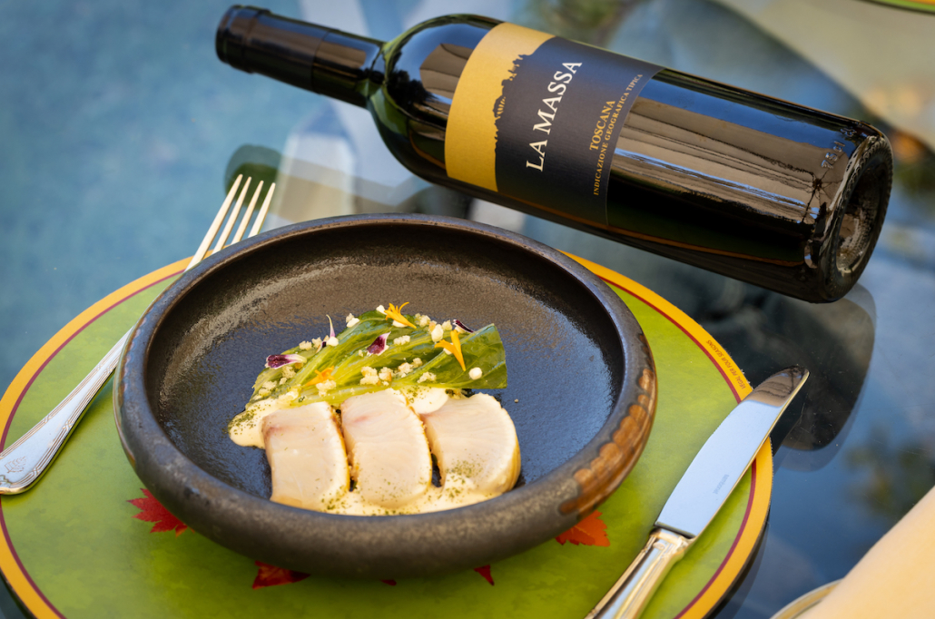 Il vino La Massa 2017 con la Caesar di ricciola dello chef Vito Mollica